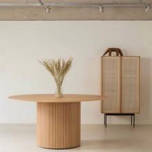 Mesa de Jantar Tromso Redonda com Design Escandinavo assinado por Wooding